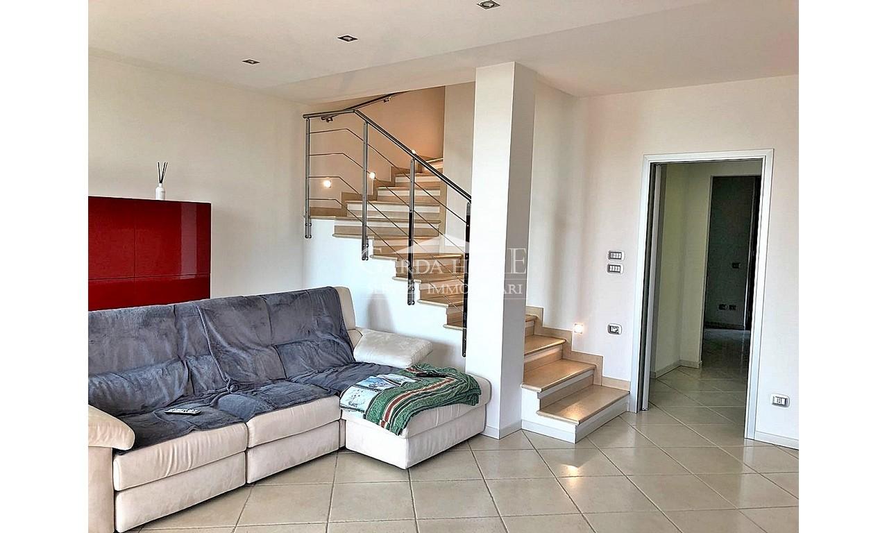 Appartamento in buone condizioni in vendita Rif. 6752673