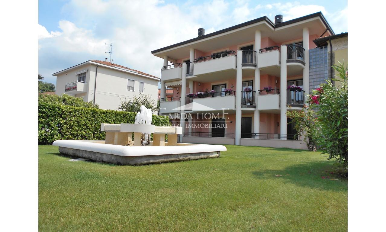 Appartamento ristrutturato in vendita Rif. 6904050