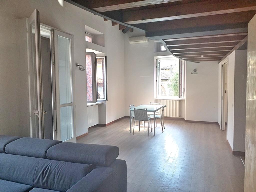 Desenzano del Garda affittasi appartamento 5 vani 130 Mq