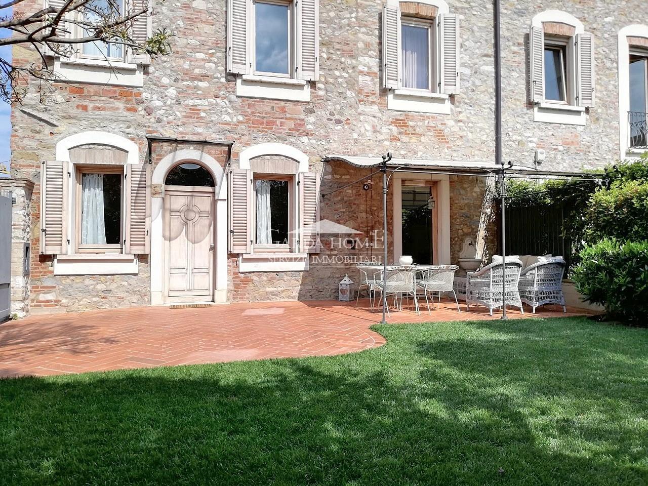 Villetta a schiera ristrutturato in vendita Rif. 10312718