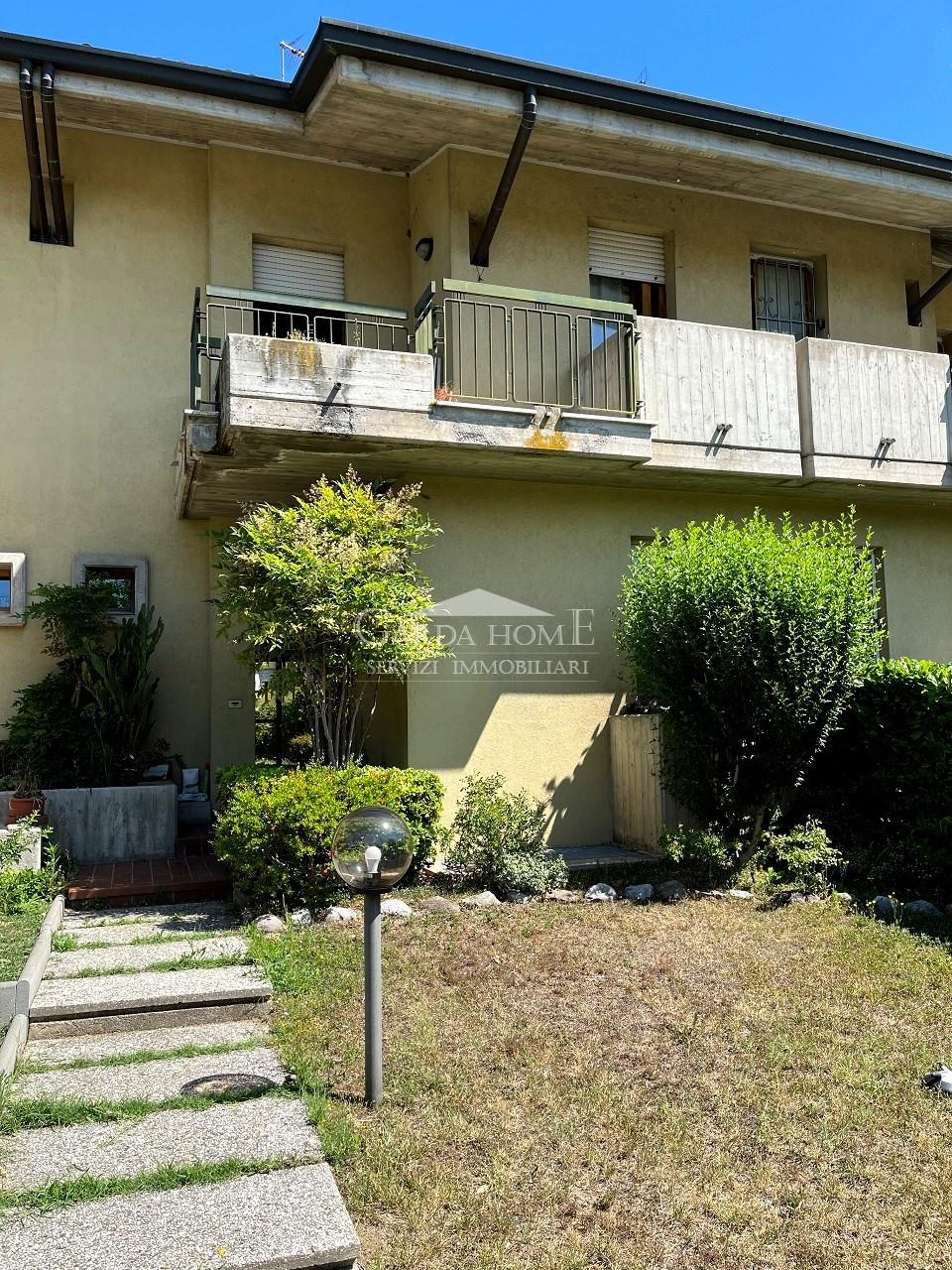 Villetta a schiera da ristrutturare in vendita Rif. 11085213