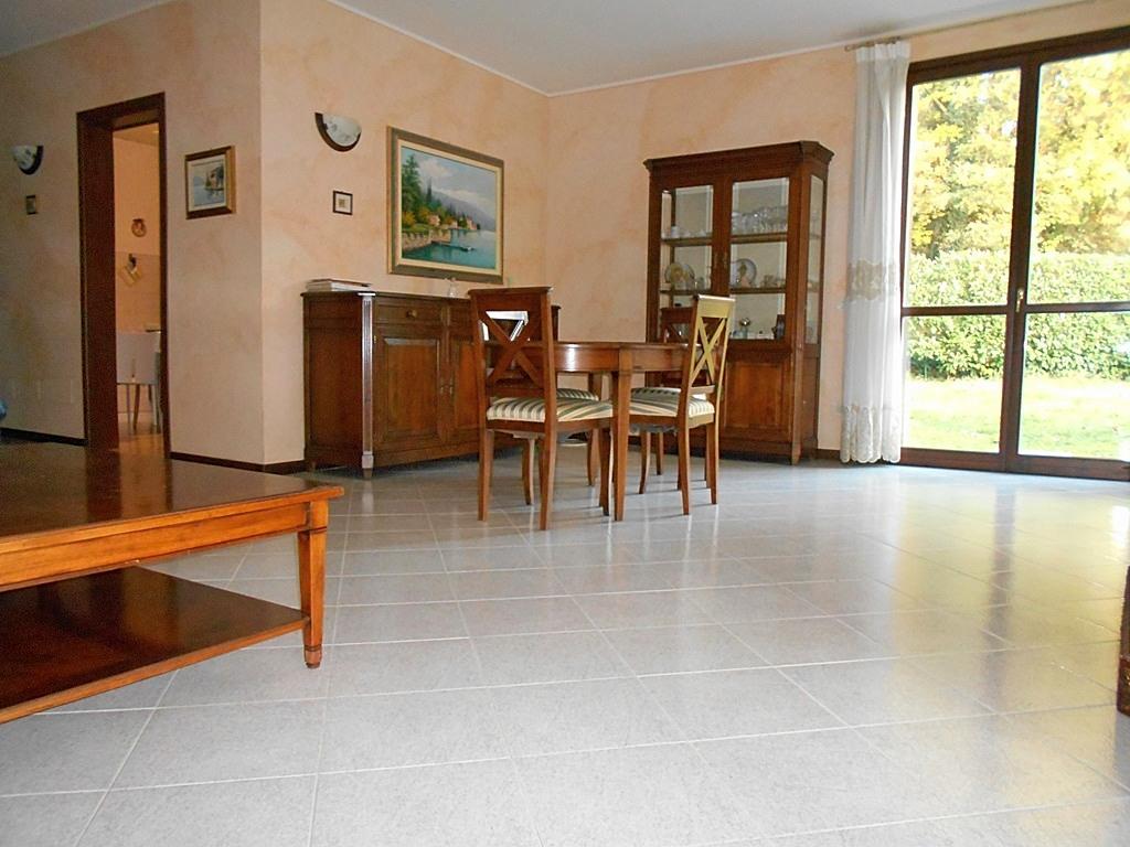 Villetta a schiera da ristrutturare in vendita Rif. 4055325