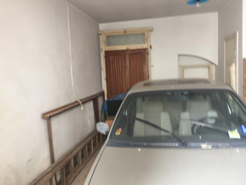 Appartamento in discrete condizioni in vendita Rif. 9984870