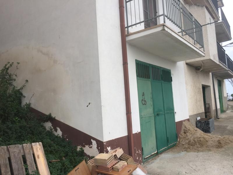 Box / Garage in vendita a Furci, 1 locali, Trattative riservate | CambioCasa.it