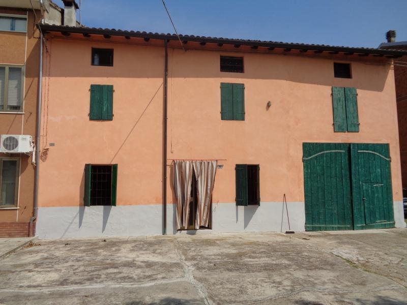 Rustico / Casale in discrete condizioni in vendita Rif. 11138267