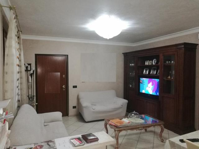 Appartamento da ristrutturare in vendita Rif. 11639459