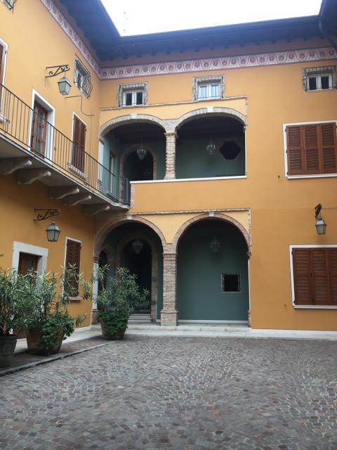 Soluzione Semindipendente in vendita a Lonato, 10 locali, prezzo € 1.300.000 | PortaleAgenzieImmobiliari.it