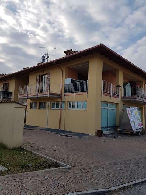 Appartamento da ristrutturare in vendita Rif. 4990880