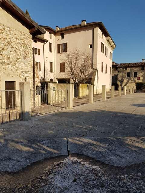 Roè Volciano vendesi mansarda 3 vani 100 Mq