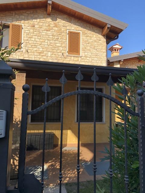 Villetta a schiera da ristrutturare in vendita Rif. 11189372