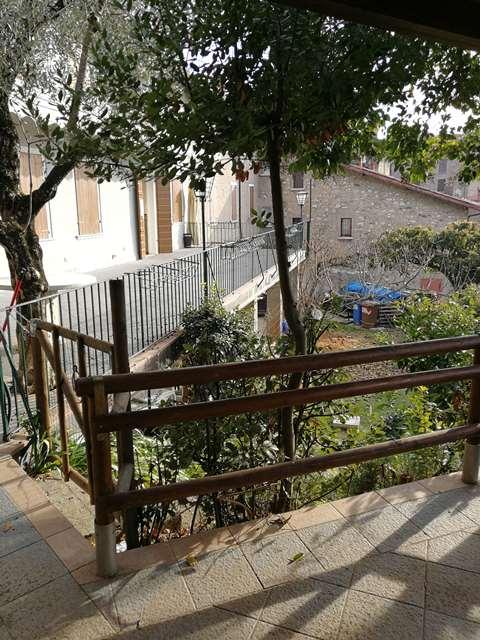Gardone Riviera vendesi rustico 500 Mq