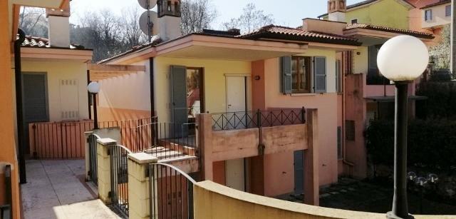 Appartamento da ristrutturare in vendita Rif. 11857085
