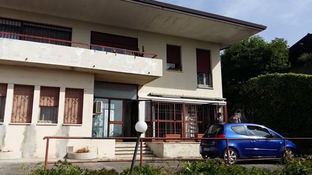 Altro in vendita a Roè Volciano, 10 locali, prezzo € 260.000 | PortaleAgenzieImmobiliari.it