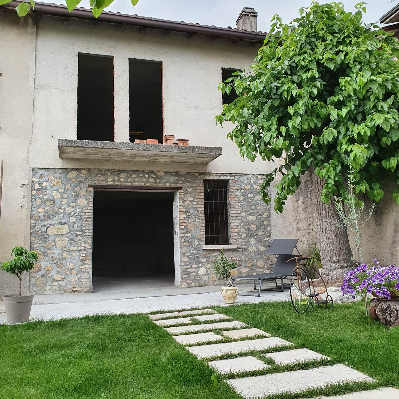 Villetta a schiera ristrutturato in vendita Rif. 11189559