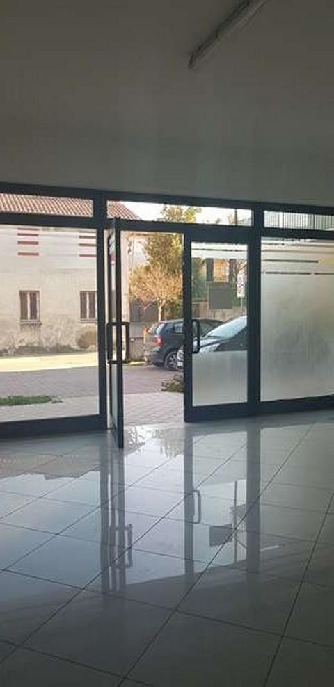 Moniga del Garda affittasi negozio 2 vani Rif. 10828593