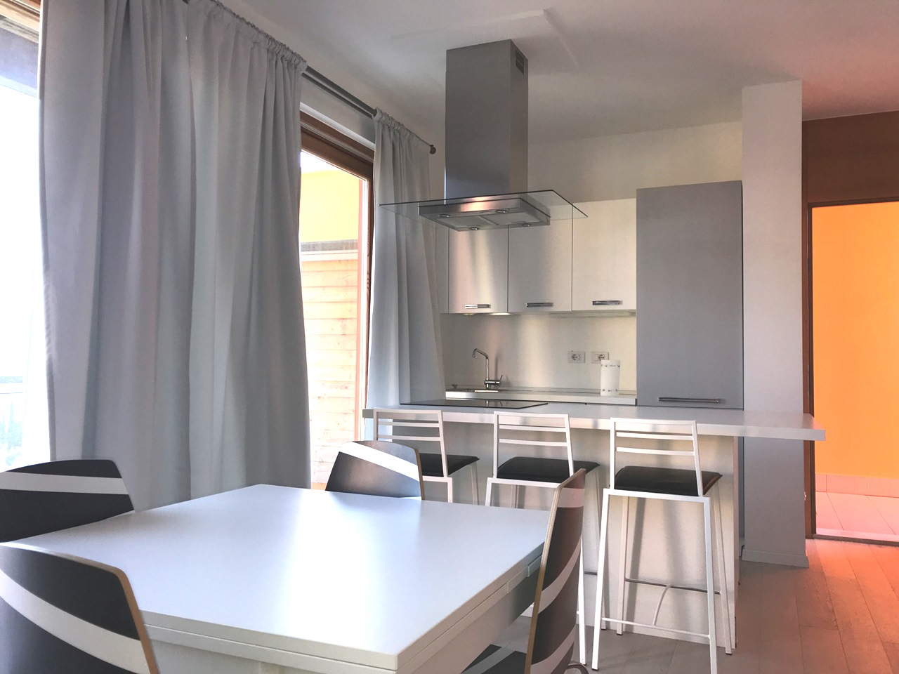 Appartamento in vendita a Toscolano-Maderno, 3 locali, prezzo € 330.000 | PortaleAgenzieImmobiliari.it
