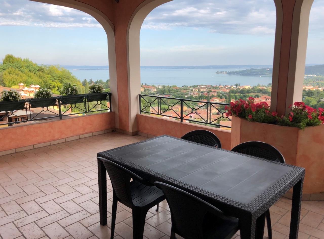 Appartamento in affitto a Padenghe sul Garda, 3 locali, prezzo € 900   PortaleAgenzieImmobiliari.it