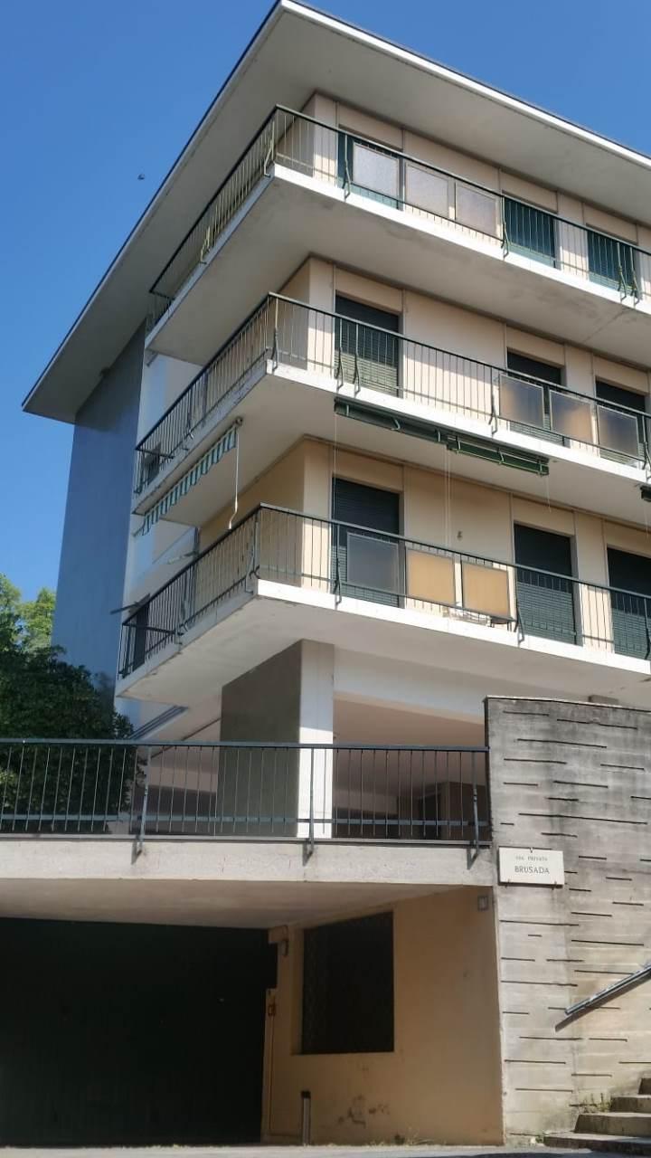Appartamento in vendita a Gardone Riviera, 3 locali, prezzo € 160.000 | PortaleAgenzieImmobiliari.it