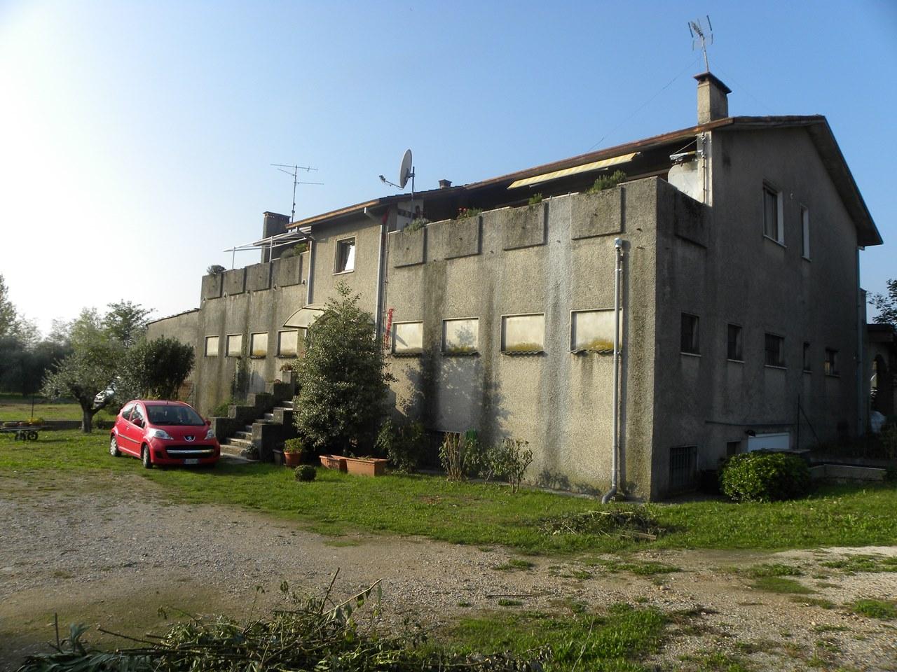 Villetta a schiera da ristrutturare in vendita Rif. 11337107