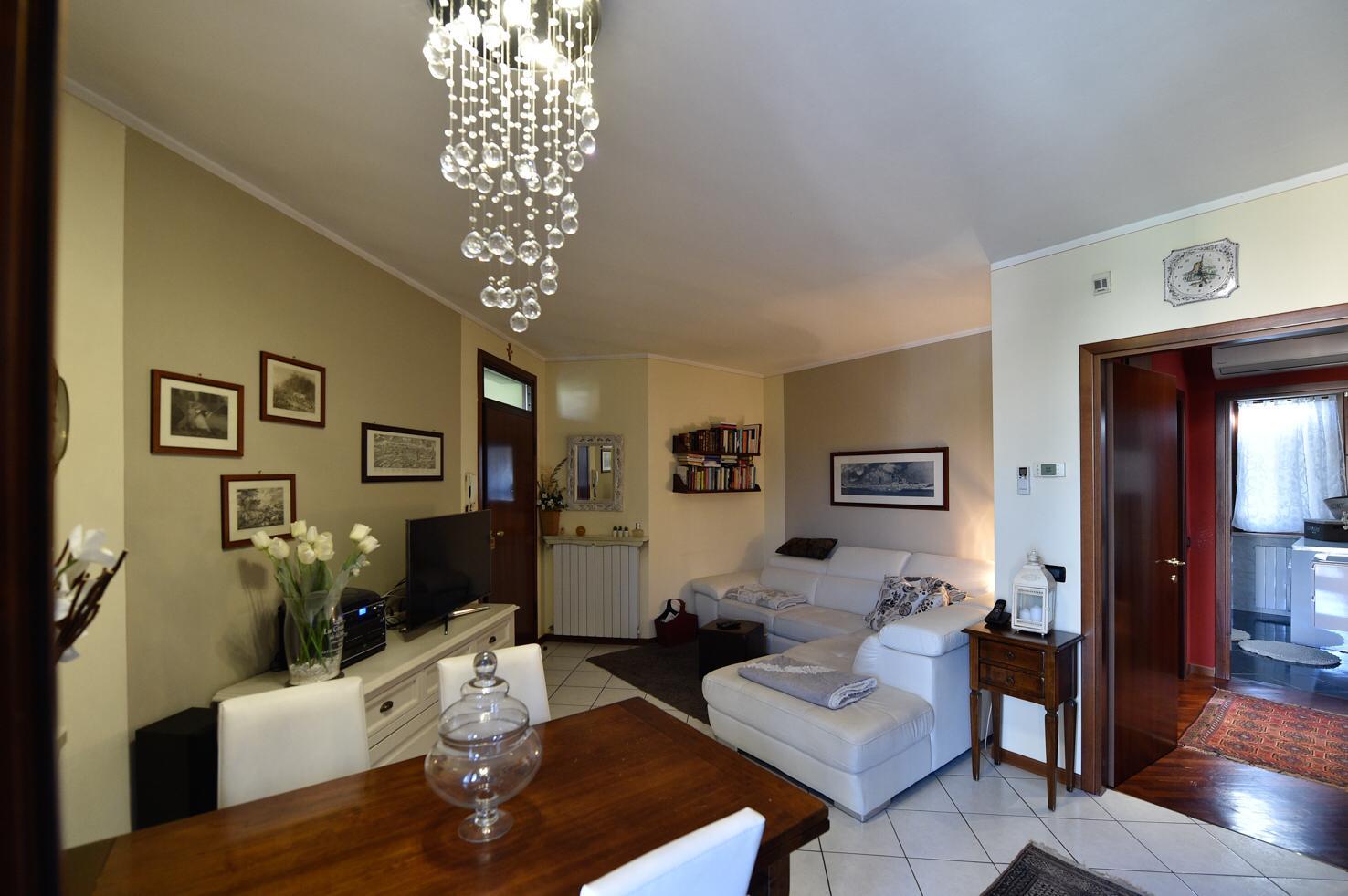 Appartamento da ristrutturare post_categories_options/property_options.data.interior_decoration.data.20 in vendita Rif. 11533726