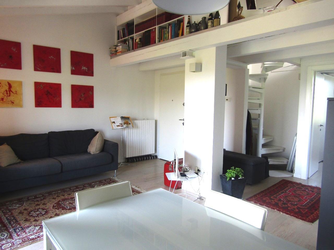 Appartamento da ristrutturare post_categories_options/property_options.data.interior_decoration.data.20 in vendita Rif. 11665577