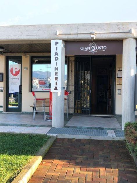 Mazzano vendesi attività commerciale 3 vani 60 Mq