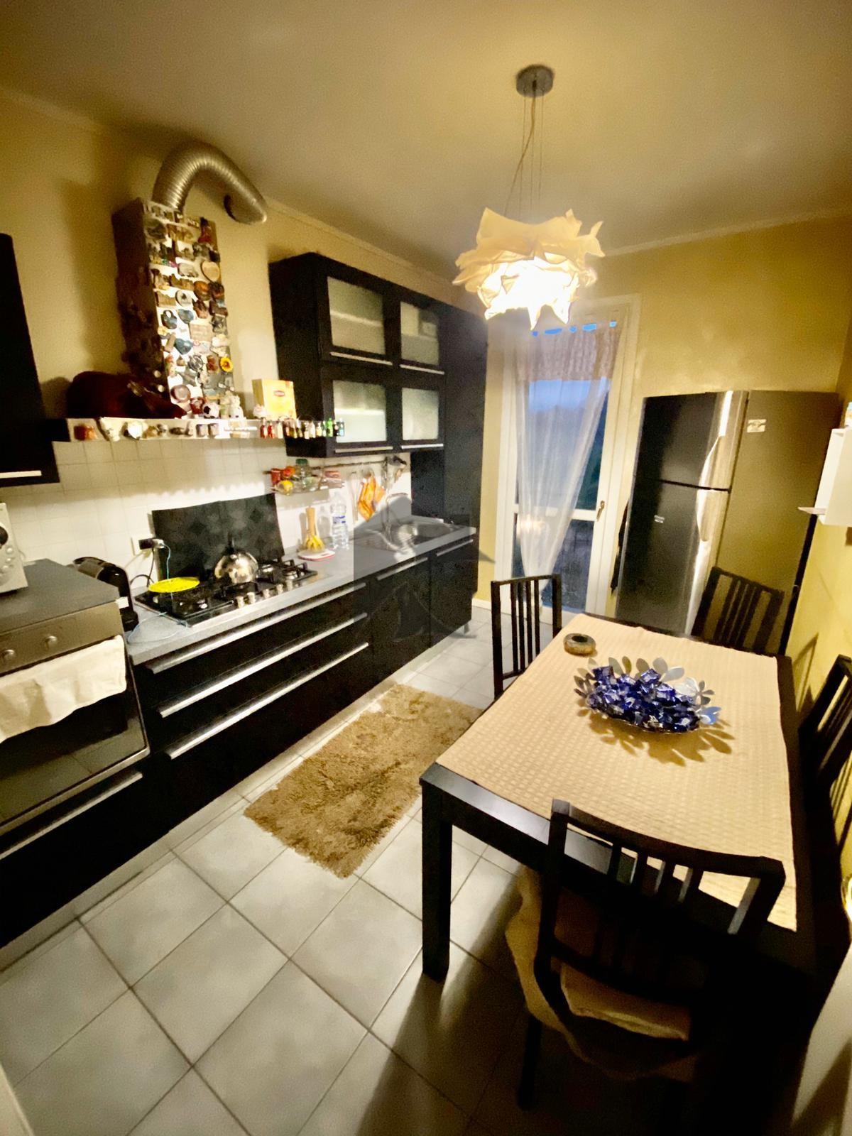 Appartamento in vendita a Lonato, 4 locali, prezzo € 230.000 | PortaleAgenzieImmobiliari.it