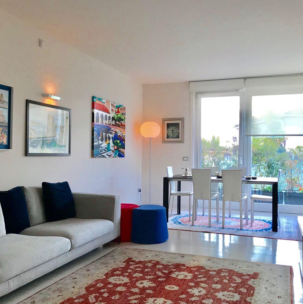 Appartamento in vendita a Desenzano del Garda, 5 locali, prezzo € 720.000 | PortaleAgenzieImmobiliari.it