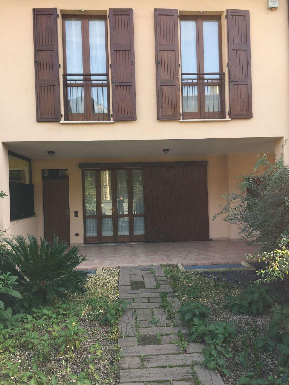 Villa in vendita a Roè Volciano, 4 locali, prezzo € 340.000 | PortaleAgenzieImmobiliari.it