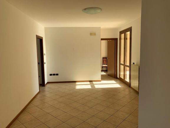 Appartamento in vendita a Montichiari, 3 locali, prezzo € 125.000 | PortaleAgenzieImmobiliari.it