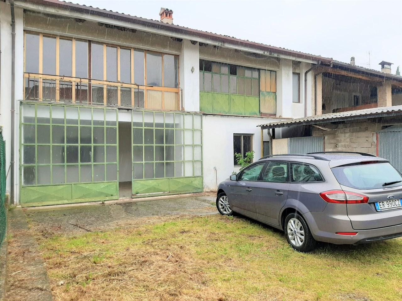 Rustico / Casale in vendita a Bedizzole, 10 locali, prezzo € 230.000   PortaleAgenzieImmobiliari.it