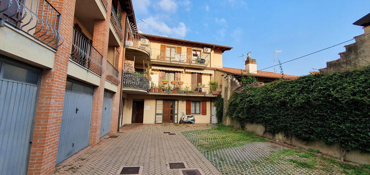 Appartamento in vendita a Moniga del Garda, 3 locali, prezzo € 159.000 | PortaleAgenzieImmobiliari.it