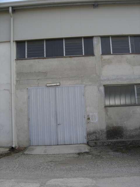Calvagese della Riviera affittasi capannone