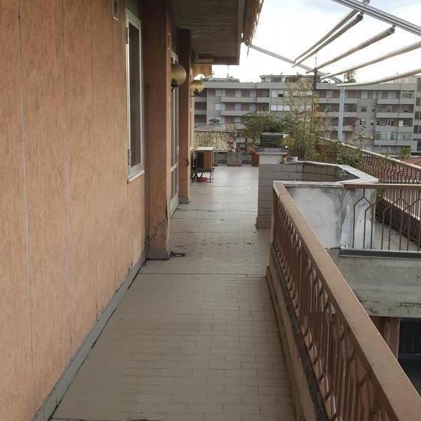 Arezzo vendesi bellissima posizione - attico 10 vani 180 Mq