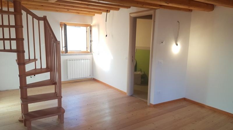 Appartamento in buone condizioni in vendita Rif. 9706214