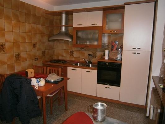 Appartamento in discrete condizioni post_categories_options/property_options.data.interior_decoration.data.20 in vendita Rif. 4992561