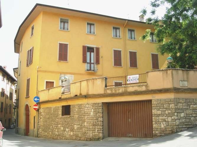 Appartamento da ristrutturare in vendita Rif. 5474784