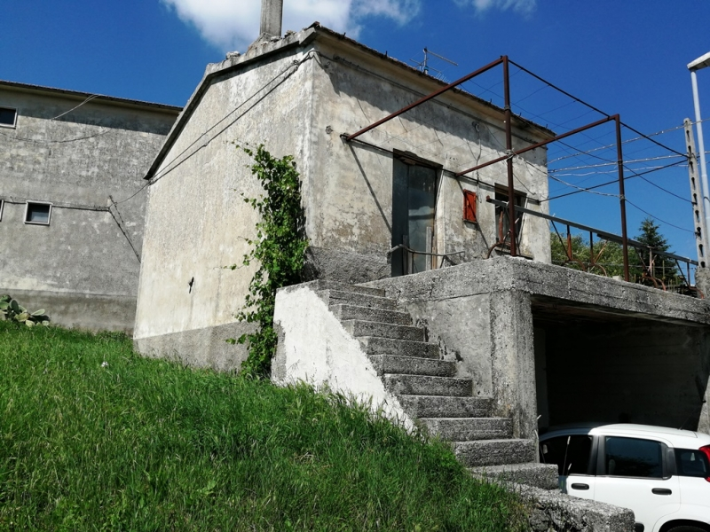 Casa indipendente 80 mq  in Vendita a Isernia Contrada Conocchia