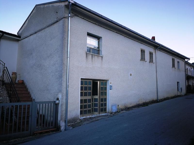Casa indipendente 130 mq  in Vendita a Longano (IS)