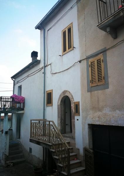 Casa indipendente 45 mq  in Vendita a Isernia in Contrada Colle Croce
