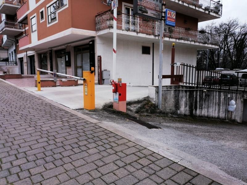Locale commerciale 90 mq  a Isernia zona Centro Rif. 12300873