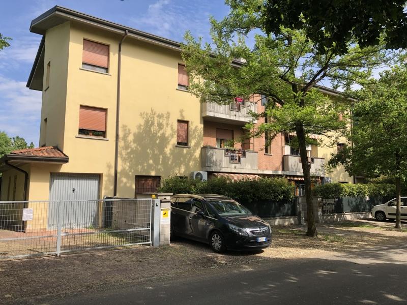 Appartamento da ristrutturare in vendita Rif. 10305414