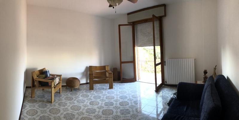 vendesi crevalcore - appartamento al 3°P con due camere adicente al centro