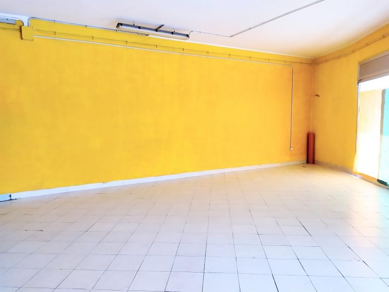Negozio / Locale in affitto a Sassari, 4 locali, zona Zona: Periferia, prezzo € 1.600   CambioCasa.it