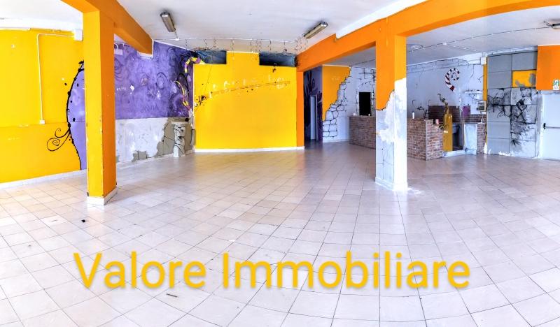 Negozio / Locale in affitto a Sassari, 4 locali, zona Zona: Periferia, prezzo € 2.000 | CambioCasa.it