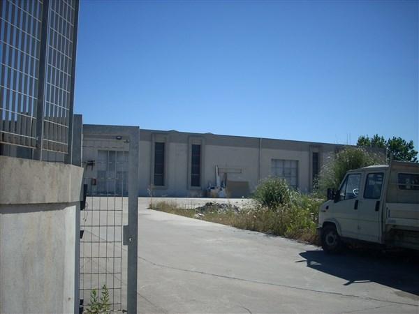Laboratorio in affitto a Muros, 2 locali, prezzo € 3.000   CambioCasa.it