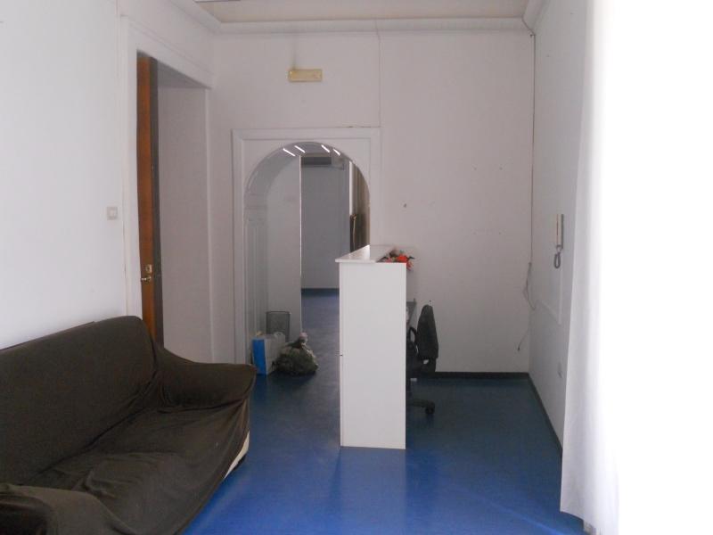 Ufficio / Studio in affitto a Aversa, 6 locali, prezzo € 1.000 | CambioCasa.it