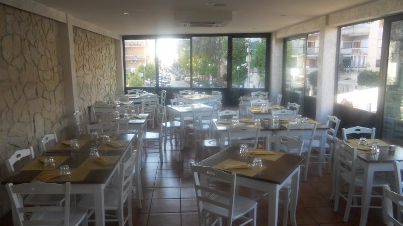 Aversa - zona Parco Argo - vendesi ben avviata attività di pizzeria, ristorante, friggitoria e braceria richiesta 170000€ trattabili NO PERDITEMPO Rif. 4054641