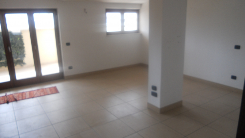 Appartamento in affitto a Lusciano, 3 locali, prezzo € 500 | CambioCasa.it