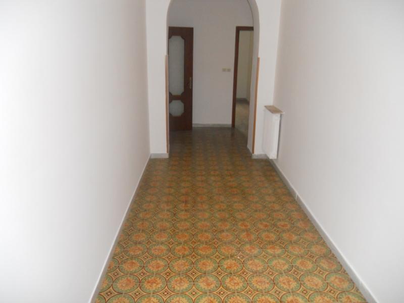 Appartamento in vendita a Aversa, 4 locali, prezzo € 105.000 | CambioCasa.it